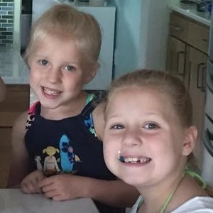Fundraising Page: Fiona & Annabelle Lessard